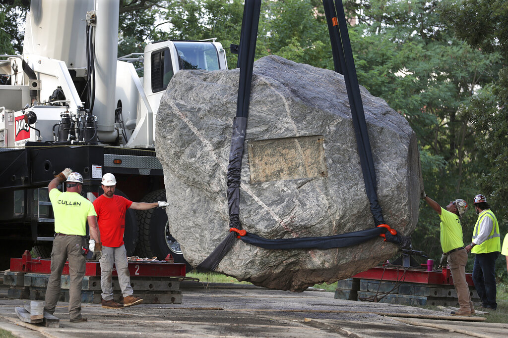University of Wisconsin-Madison removes massive rock from campus after 'racism' claims | Fox News
